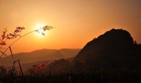 Matahari Terbit di Utara Tanda Kiamat? Ini Penjelasan BMKG. Foto ilustrasi:   Matahari Terbit (ilustrasi).